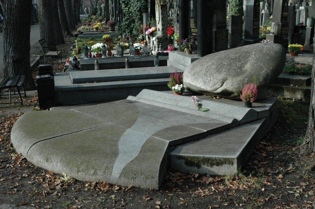 hrobka smrkovský,1992,2